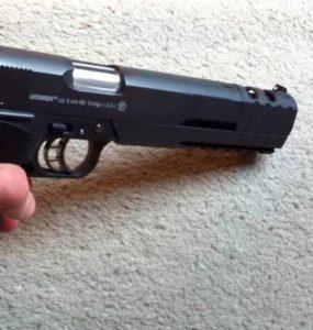 Pistolet à billes pour airsoft principale